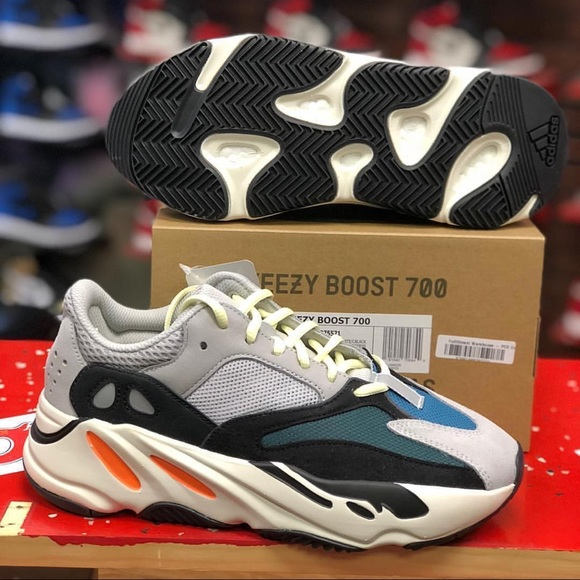 save off b039d 45101 Yeexy 700 wave runners size 9-12